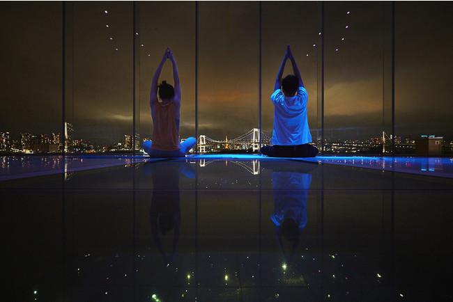 ヒルトン東京お台場「至極の絶景ヨガ体験ウェルネスプログラム- TOKYO Panoramic YOGA」を開催