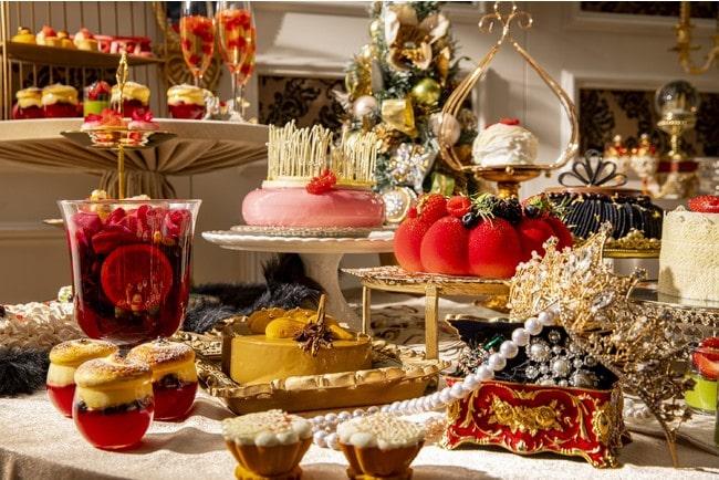 ヒルトン東京が 新スイーツ&ランチビュッフェ「King & Queenのクリスマス」開催